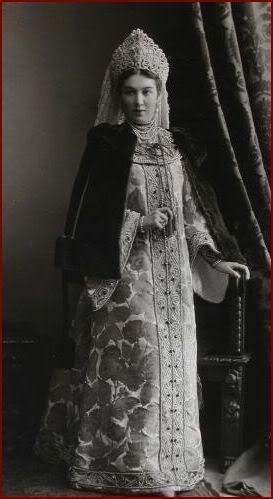 1353600 1903 ball   elena nik. bezak 1 Царь Николай II возрождал Россию. Собрание редких фотографий