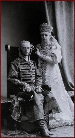 1353606 1903 ball   petr and olga baranov Царь Николай II возрождал Россию. Собрание редких фотографий