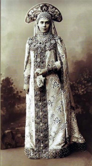 1353678 1903 ball   xenia alex. 01 Царь Николай II возрождал Россию. Собрание редких фотографий