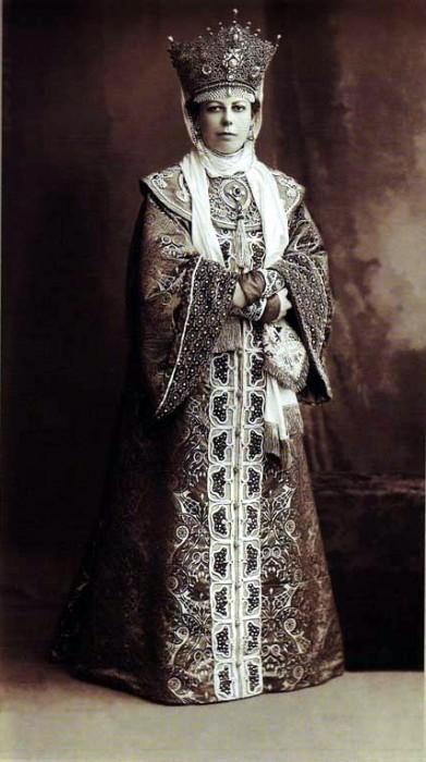1353690 1903 ball   eliz. nik. obolenskaya mayor Царь Николай II возрождал Россию. Собрание редких фотографий