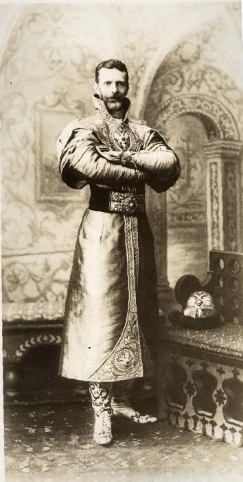 1353700 1903 ball   sergey alex. Царь Николай II возрождал Россию. Собрание редких фотографий