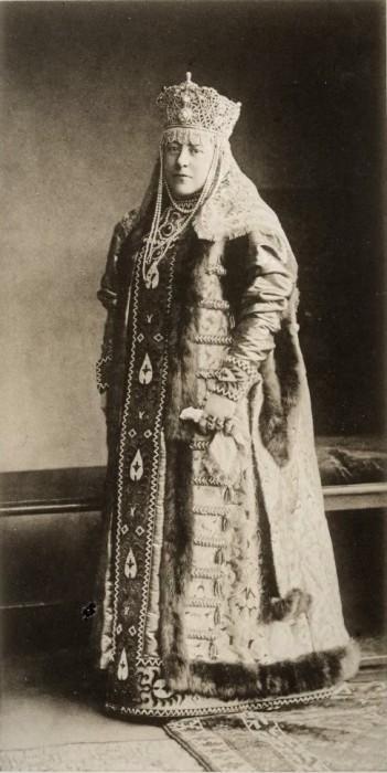 1353724 1903 ball   irina illarion. sheremeteva Царь Николай II возрождал Россию. Собрание редких фотографий