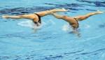 Надин Брандл и Ливия Ланг (Nadine Brandl and Livia Lang) из Австрии. Выступление пар на чемпионате Европы по синхронному плаванию в Будапеште, 5 августа 2010 года.