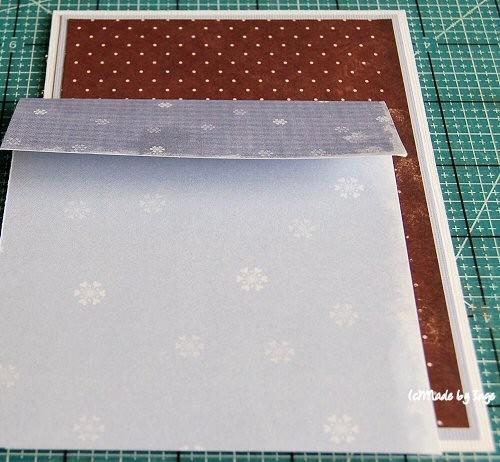 Берём дизайнерскую бумагу 10х15 и отгибаем край 3,5 см для кармана