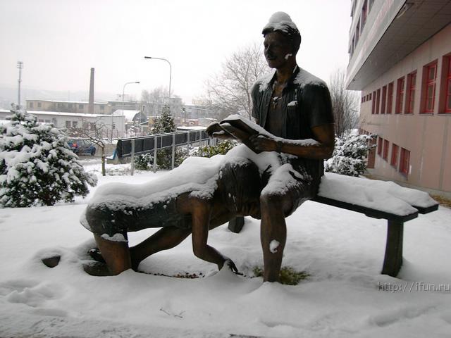 Интересная монументальная скульптура - Страница 2 F_7709505