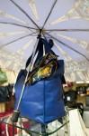 зонт, платок и сумочка
