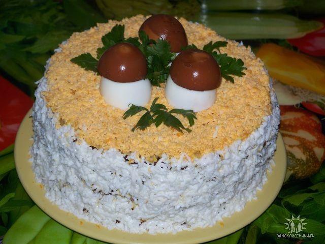 Украсить печеночный торт фото