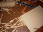 Нарезать раскрученную бечёвку на куски, необходимые для создания основы -плетёнки. И наклеить   на обратную сторону так, как показано на фото. Клеить плотно друг к другу.