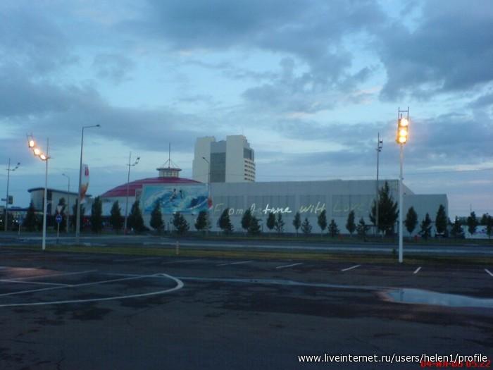 Астана с казахского переводится просто - столица.