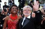 Создатель 'Звездных войн' Джордж Лукас приехал в Канны на премьеру фильма Оливера Стоуна.
