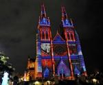 Собор Мэри. Яркий Сиднейский фестиваль (Vivid Sydney Festival) - праздник света, музыки и идей в Сиднее, 27 мая 2010 года.