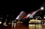 Сиднейская Опера. Яркий Сиднейский фестиваль (Vivid Sydney Festival) - праздник света, музыки и идей в Сиднее, 27 мая 2010 года.