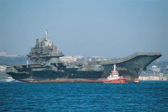 Тяжёлый авианесущий крейсер Северного флота ВМФ СССР, а позже ВМФ России «Киев»