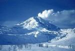 Далее в списке - вулканический массив Врангель-Сент-Элайас на Аляске