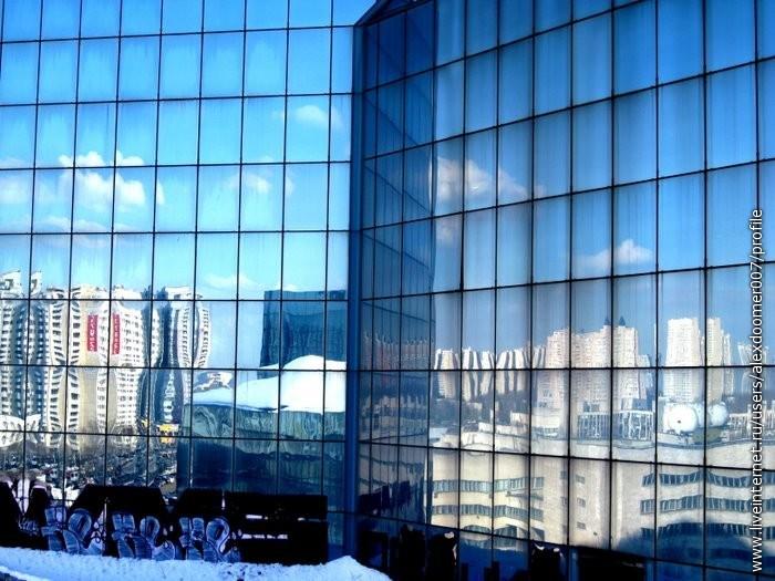 7.И весь город отразится в твоих стеклах...