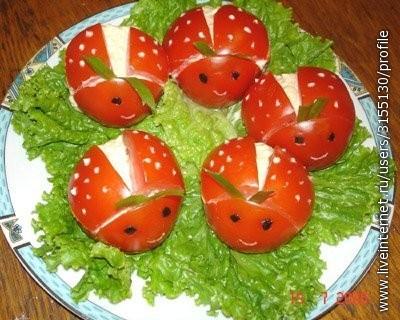 Блюда с помидорами сыром и картошкой
