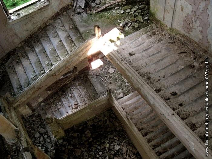 11.Спираль лестниц...Великолепие...Без перил, но просто круто