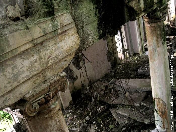 13.Колонны, подпирающие потолки
