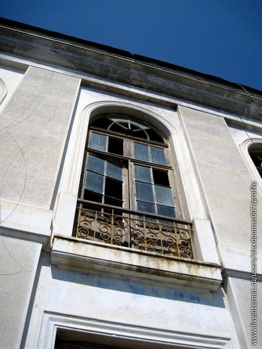 6.Окна на 2 этаже. Очень красиво.