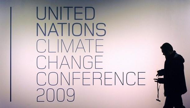 Атмосфера климатической конференции ООН охватила веcь Копенгаген, Дания.