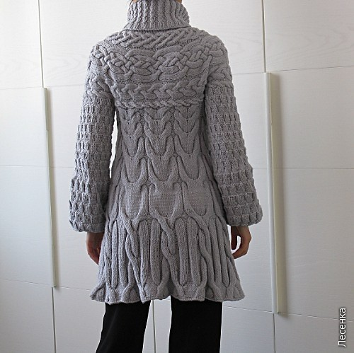 Вяжем пальто с меховой отделкой, схема вязания пальто спицами.