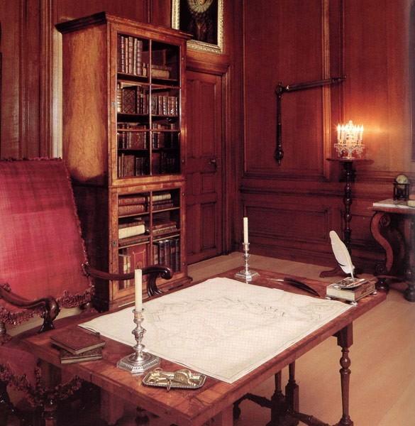 Дворец Хэмптон-Корт 52085
