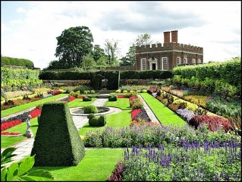 Сад дворца Хэмптон-Кор 51931