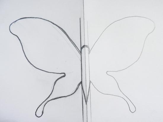 Как вырезать бабочек из бумаги своими руками