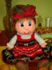 Сотрудница МЧС крючком вяжет куклы, копирующие ее коллег. простая.