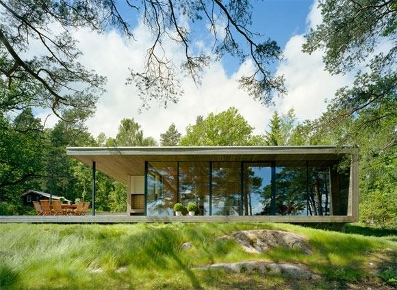 Этот дом, спроектированный компанией WRB Architects, находится на...