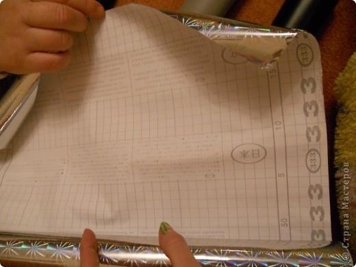 Так выглядит эта бумага с обратной стороны. Она вся разлинеена на см,что очень удобно.