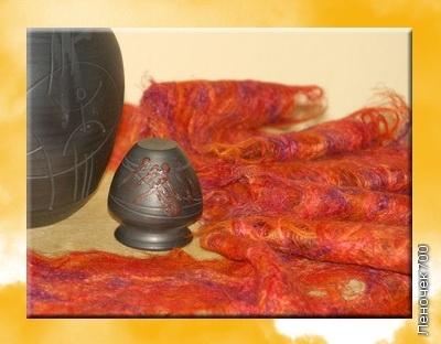 В такой технологии можно делать не только шарфы, но и шали, полотно для шитья одежды, занавески, салфетки и т.д. Для облегчения труда, при больших объемах можно использовать для наметывания швейную машинку, которая умеет делать большие стежки.