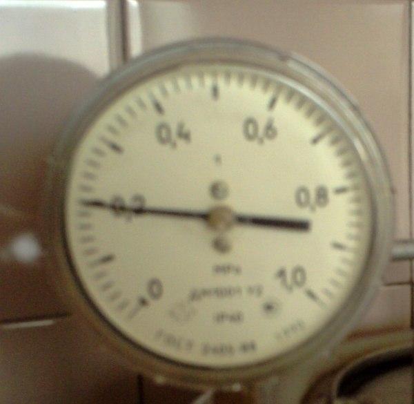 В комплекте к автоклаву прилагается градусник, но я им не пользуюсь, так как знаю до каких пор мне нагревать, жду, пока манометр не покажет так.
