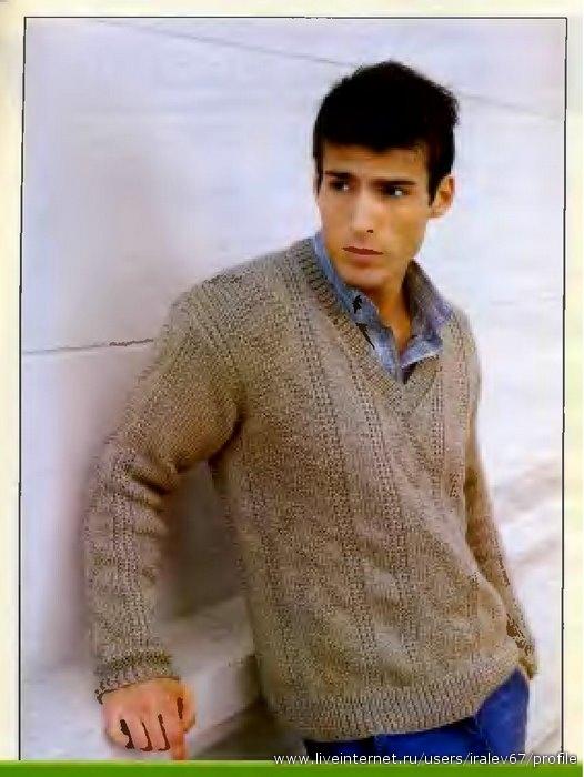 Пуловер.  МАТЕРИАЛЫ:800 г пряжи из овечьей шерсти с добавлением вискозы средней толщины песочного цвета.