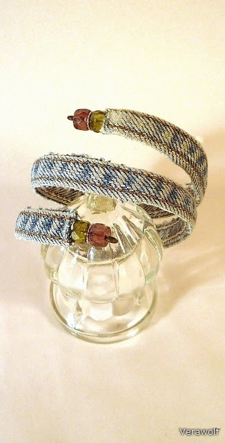 crafty jewelry: recycle clothes