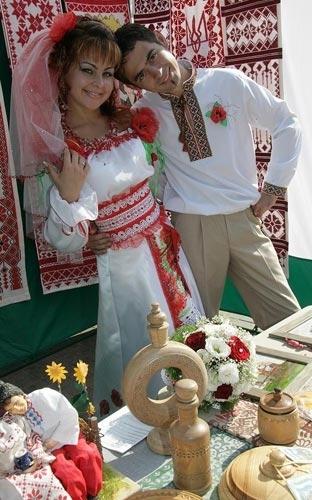 Деревянная свадьба в народном стиле.  Как отметить деревянную свадьбу.