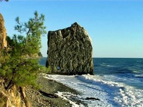 Вид на скалу с другой стороны.