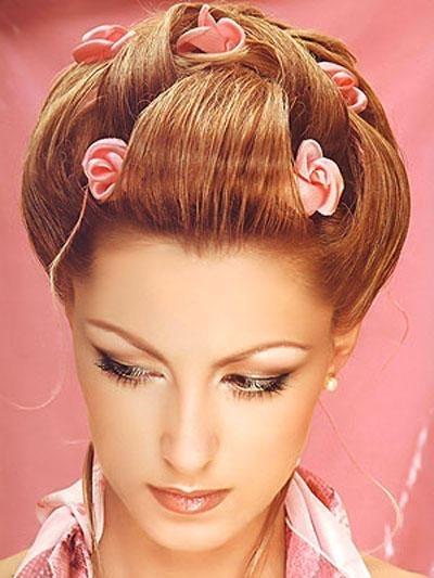 Фото на аву девушка брюнетка с цветами