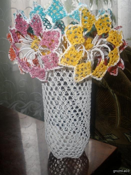 Вязание крючком салфетки под вазу 14