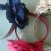 Материалы:  1. тесьма или атласна лента шириной 2-3 см  2. искусственные цветы  3. горячий клей  4. ножницы  5. ободок
