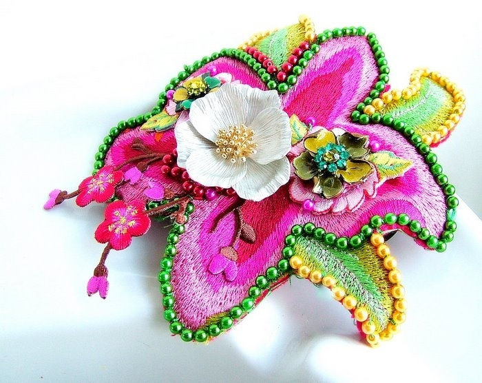 crafty jewelry: flowers for accessories