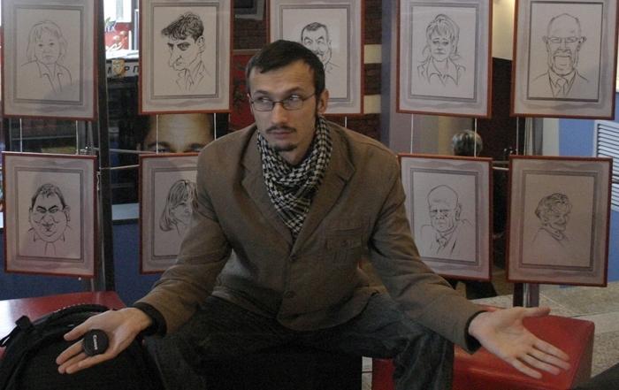 В этом году камчатский художник Денис Лопатин стал дипломантом сразу двух крупных международных конкурсов - один проходил в Германии, другой в Португалии. Причем, португальский «World Press Cartoon» считается самым престижным в мире форумом мастеров шаржа