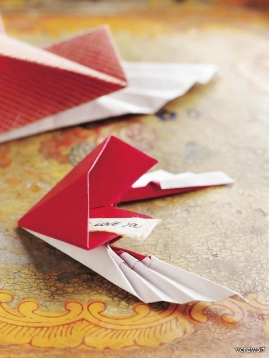 Сердце с крыльями оригами.