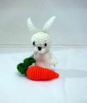 Заячик с морковкой