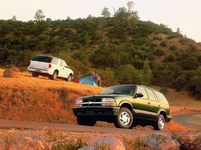 Chevrolet Blazer 1999 release.