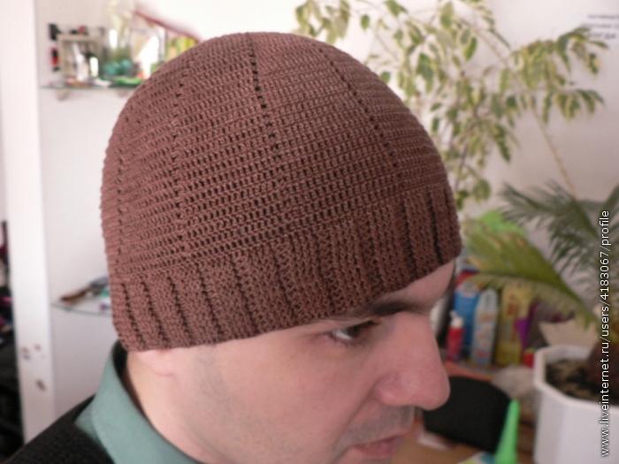 1. Для вязания понадобился крючок 1. Шапочка вязалась по кругу. лёгкая мужская шапочка.