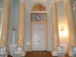 входная дверь в зал