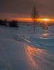 На зимней сцене закат танцует...
