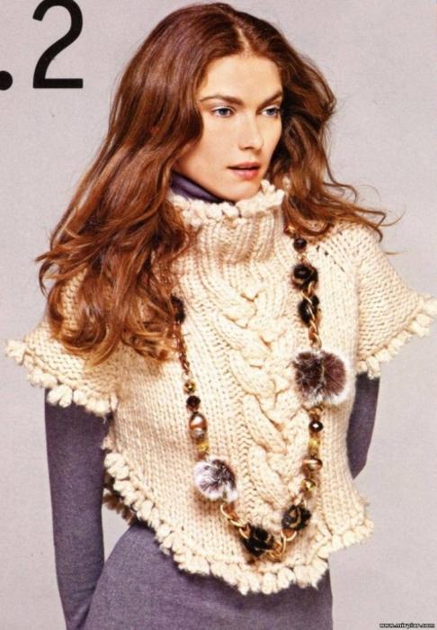 свитерок-жилетка с косой и