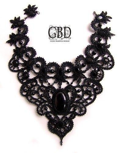 Ожерелье с кружевом